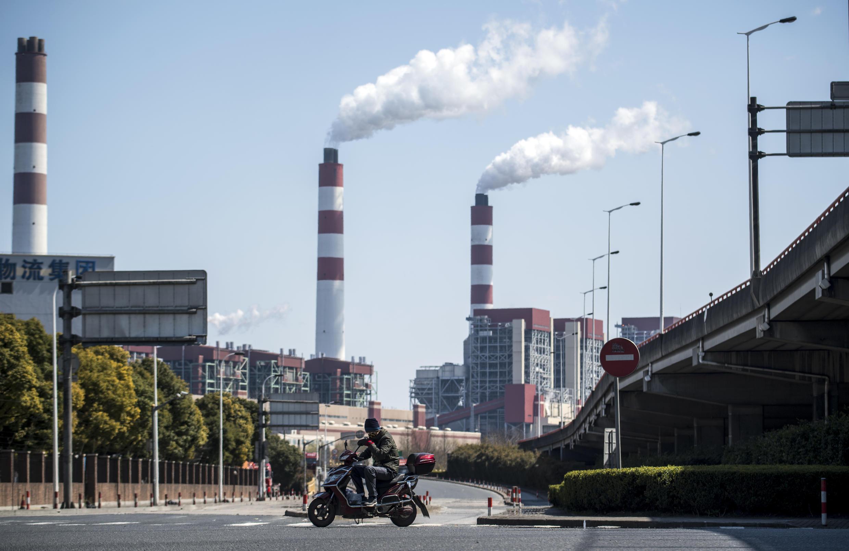 Nhà máy nhiệt điện chạy than của tập đoàn năng lượng Ngoại Cao Kiều (Waigaoqiao) tại Thượng Hải. Ảnh chụp  ngày 06/03/2017.