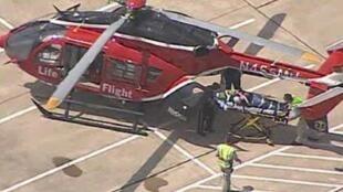 Imagem da televisão americana mostra transporte por helicóptero de um dos feridos do esfaqueamento no campus da universidade de Lone Star, no Texas, nesta terça-feira, dia 9 de abril.