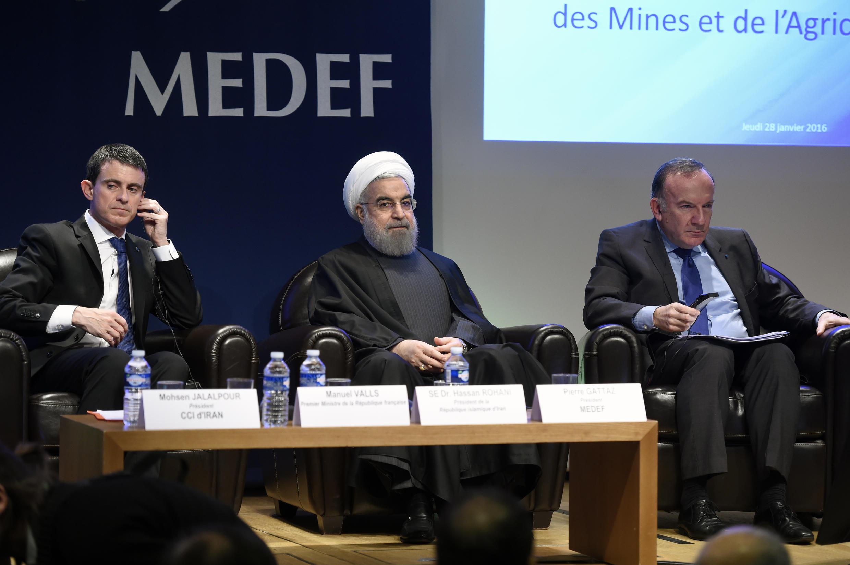 O Presidente iraniano Hassan Rohani, no Medef (confederação do patronato francês), no dia 28/1/2016,