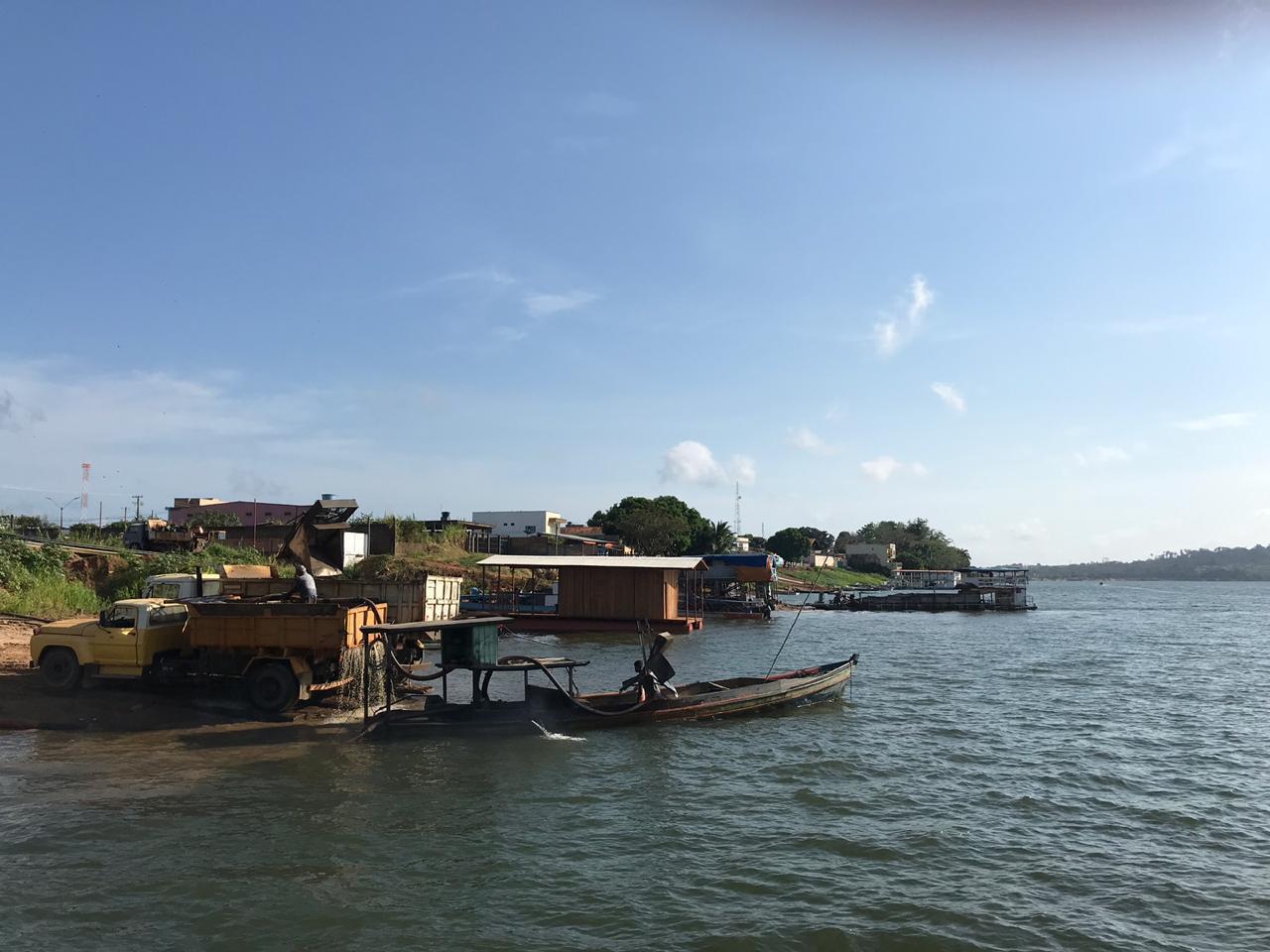 Riverside view of the Assurini community