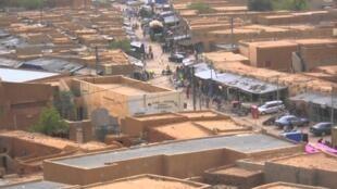 Vue de Zinder, au Niger. Après l'attaque de Kouré, cette ville comme le reste du pays (sauf la camitale) passe en zone rouge.