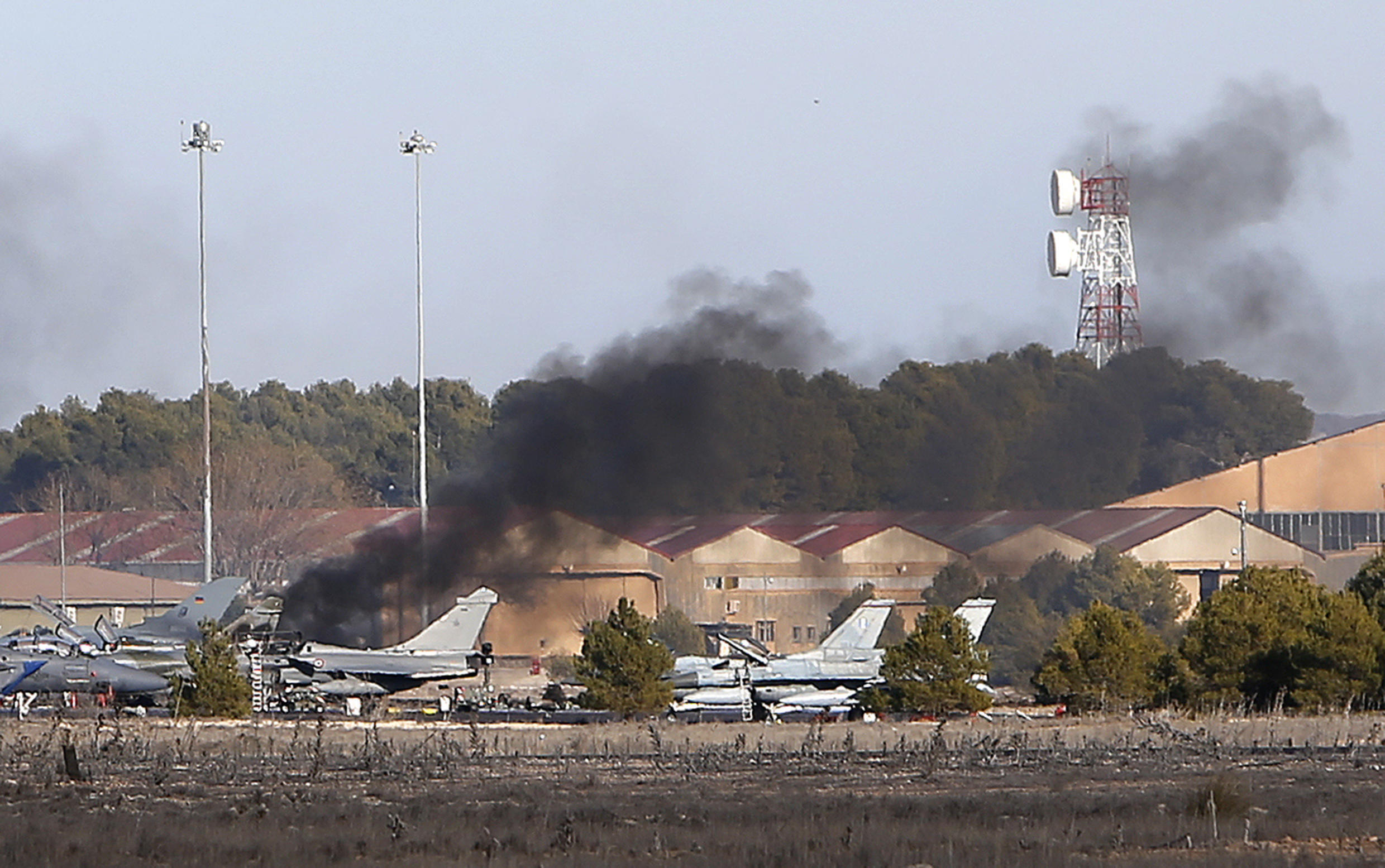 Fire caused by the jet crash in Albacete Nato training base, 26 January 2015.