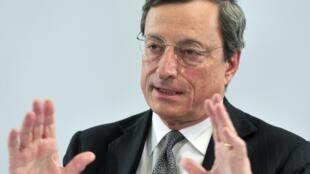 O presidente do BCE, Mario Draghi, comemorou nesta quinta-feira avanços nas reformas na Espanha e em Portugal.