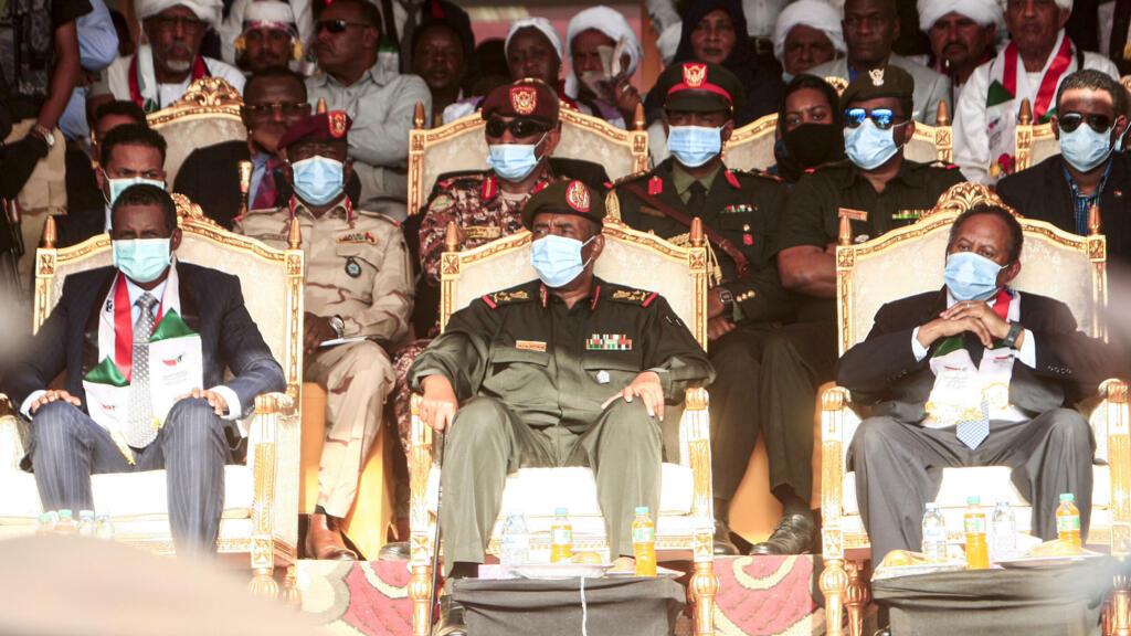 Soudan: militaires et civils se renvoient la responsabilité de la tentative de coup d'État