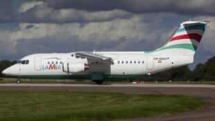 Foto de arquivo de um Avro RJ85 operado por Lamia como o que transportava a equipe de futebol brasileira Chapecoense.