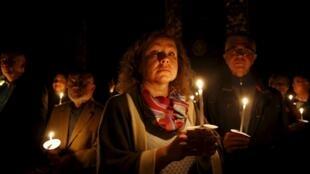 Vigília de Páscoa na catedral de Valletta, ilha de Malta.