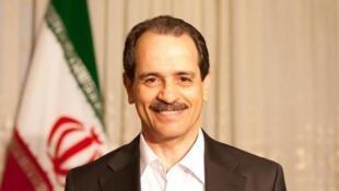 عرفان حلقه نام مکتبی است که در دهه ۸۰ میلادی توسط محمدعلی طاهری در ایران پایهگذاری شد و به فعالیتهایی مربوط به طب مکمل ایرانی، فرادرمانی و ساینتولوژی، میپردازد.