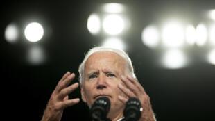 """""""Devemos curar as feridas"""", afirmou Joe Biden nesta quarta-feira (2), em suas incansáveis declarações contra o """"racismo institucional""""."""
