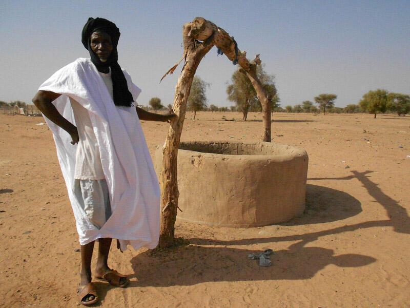 Un puits en Mauritanie. De nombreux projets de développement portent sur l'accès à l'eau et l'irrigation.