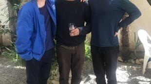 Os realizadores Daniel Schmidt (esquerda) e Gabriel Abrantes (direita) com no centro o actor principal de Diamatino, Carloto Cotta.