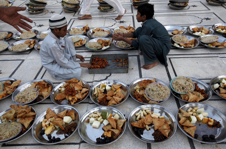 Miliyoyin al'ummar Musulmi ne ke azumi a watan Ramadan