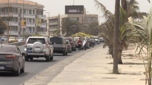La corniche, devenue une autoroute urbaine longeant Dakar, en cours de reboisement, le 16 juin 2019.
