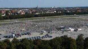 Tại Munich, hàng ngàn người đã biểu tình phản đối các biện pháp chống dịch Covid-19 của chính phủ ngày 12/09/2020.
