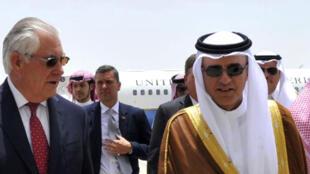 Le ministre saoudien des Affaires étrangères Adel al-Jubeir avec son homologue américain Rex Tillerson, à Jeddah, le 12 juillet 2017.
