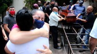 Brésil obsèques noir alberto silveira freitas