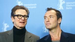 Os atores Colin Firth (esquerda) e Jude Law fazem parte do movimento em favor dos migrantes de Calais e Dunkerque.