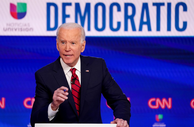 Se Biden, a pedido do partido ou por decisão própria, resolvesse desistir de disputar a Casa Branca, o Comitê Democrata Nacional poderia escolher um novo candidato.