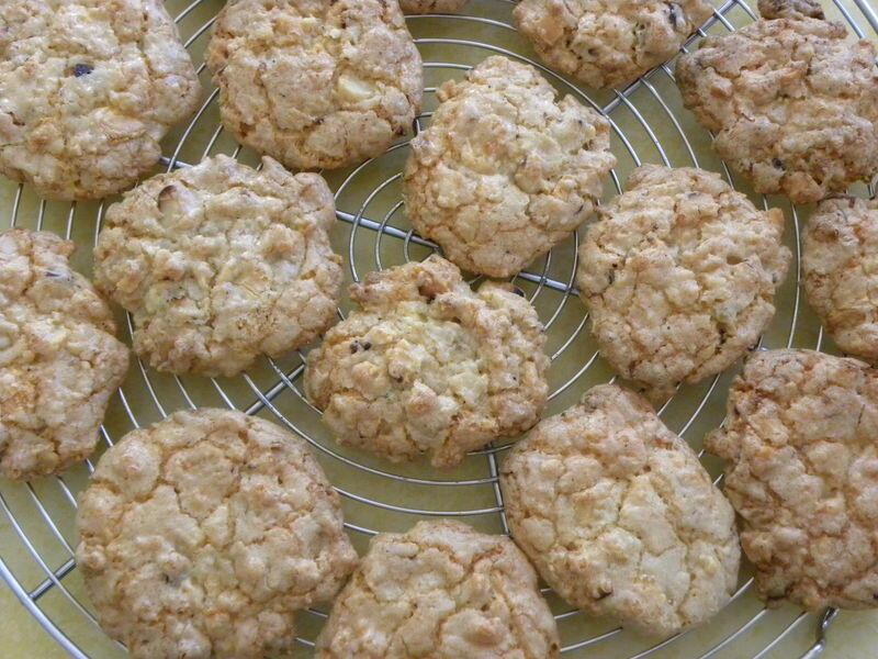 Печенье с орехом макадамия