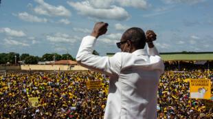 Alpha Condé en meeting à Kankan lors de sa campagne pour l'élection présidentielle, le 13 octobre 2020.