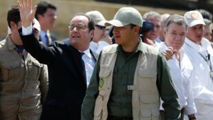 François Hollande y Juan Manuel Santos visitaron la Zona Veredal Transitorial de Normalización en la localidad de Caldono, este 24 de enero de 2017.