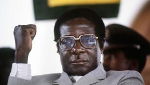 Robert Mugabe, le 1er juillet 1984 à Harare.