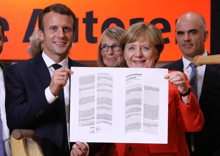 روز سهشنبه ١٠ اکتبر امانوئل ماکرون رئیس جمهوری فرانسه و آنگلا مرکل صدراعظم آلمان، نمایشگاه کتاب فرانکفورت را افتتاح کردند.