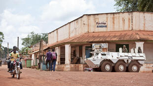 Un véhicule de la Minusca en patrouille dans la ville de Bambari (photo d'archives, 2014).