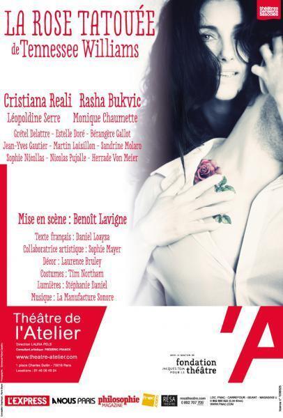 """Cartaz da peça estrelada por Cristiana Reali, """"La Rose Tatouée"""", em Paris."""