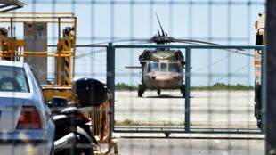 Un hélicoptère militaire turc a atterri à l'aéroport d'Alexandroupoli (nord de la Grèce), avec à son bord huit hommes qui ont demandé l'asile et été arrêtés, le 16 juillet 2016.