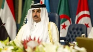 ស្តេចកាតាCheikh Hamad Ben Khalifa al-Thani