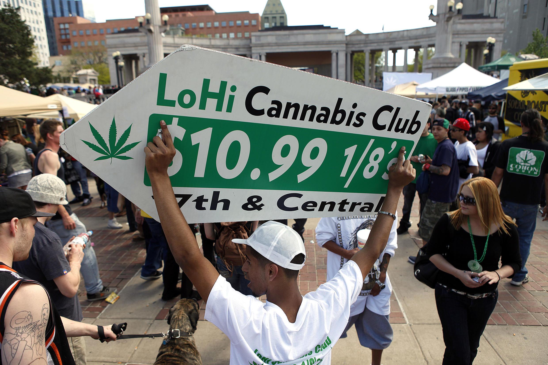 En avril 2012, des manifestations de soutien au projet de légalisation avait rassemblé des milliers de personnes à Denver (Colorado).