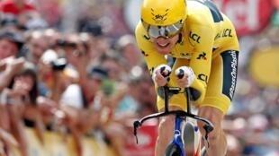 El británico Geraint Thomas luciendo el maillot amarillo de líder durante el Tour de Francia 2018.