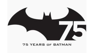 Batman a 75 ans cette année 2014. Un coffret exceptionnel de cinq albums est publié par les Editions françaises Urban Comics.
