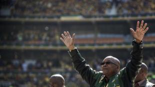 Jacob Zuma, président sud-africain, au stade de Soweto en 2014. Un édifice avait été construit spécialement pour la Coupe du monde 2010.
