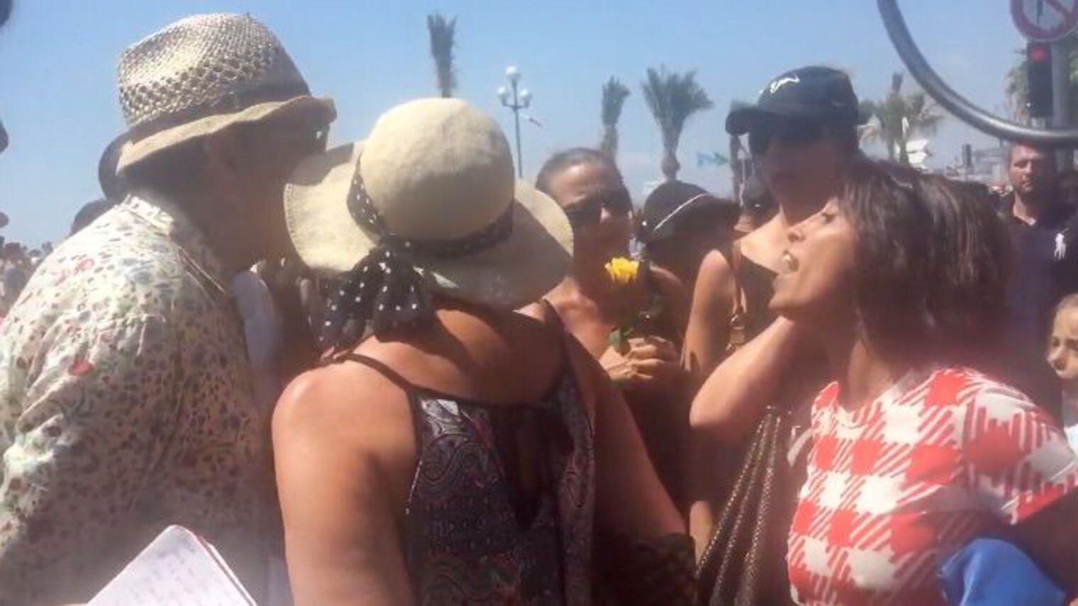 """Homem diz para mulher """"voltar para o seu país"""" após homenagem às vítimas em Nice"""