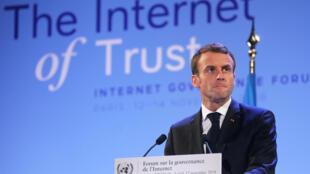 Le président français Emmanuel Macron livre son discours au siège de l'UNESCO lors du Forum sur la Gouvernance sur Internet (IGF) , à Paris, le 12 novembre 2018.