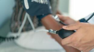 Les personnes diabétiques présentent un risque accru d'une hypertension artérielle et inversement.