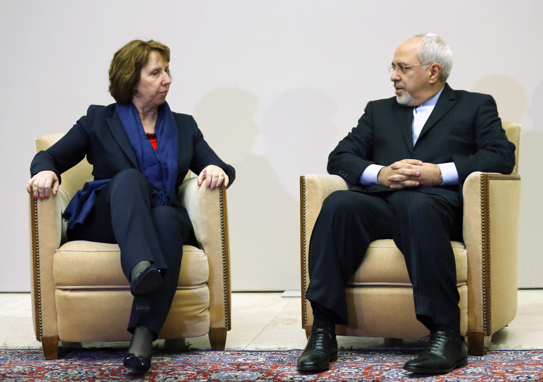 Глава дипломатической службы ЕС Кэтрин Эштон и министр иностранных дел Ирана Мохаммад Джавад Зариф, 20 ноября 2013