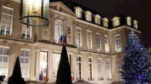 Decoração do Palácio do Eliseu, sede do governo francês, no centro de Paris.