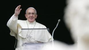 O papa Francisco anunciou neste domingo, 5 de janeiro de 2014, durante o Ângelus, que fará uma peregrinação na Terra Santa em maio.