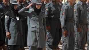 Cérémonie de remise des diplômes dans un centre de formation de la police à Herat, le 6 Septembre 2012.