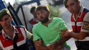 Forças turcas prenderam mais 11 pessoas acusadas de tentar sequestrar o presidente Recep Tayyip Erdogan.