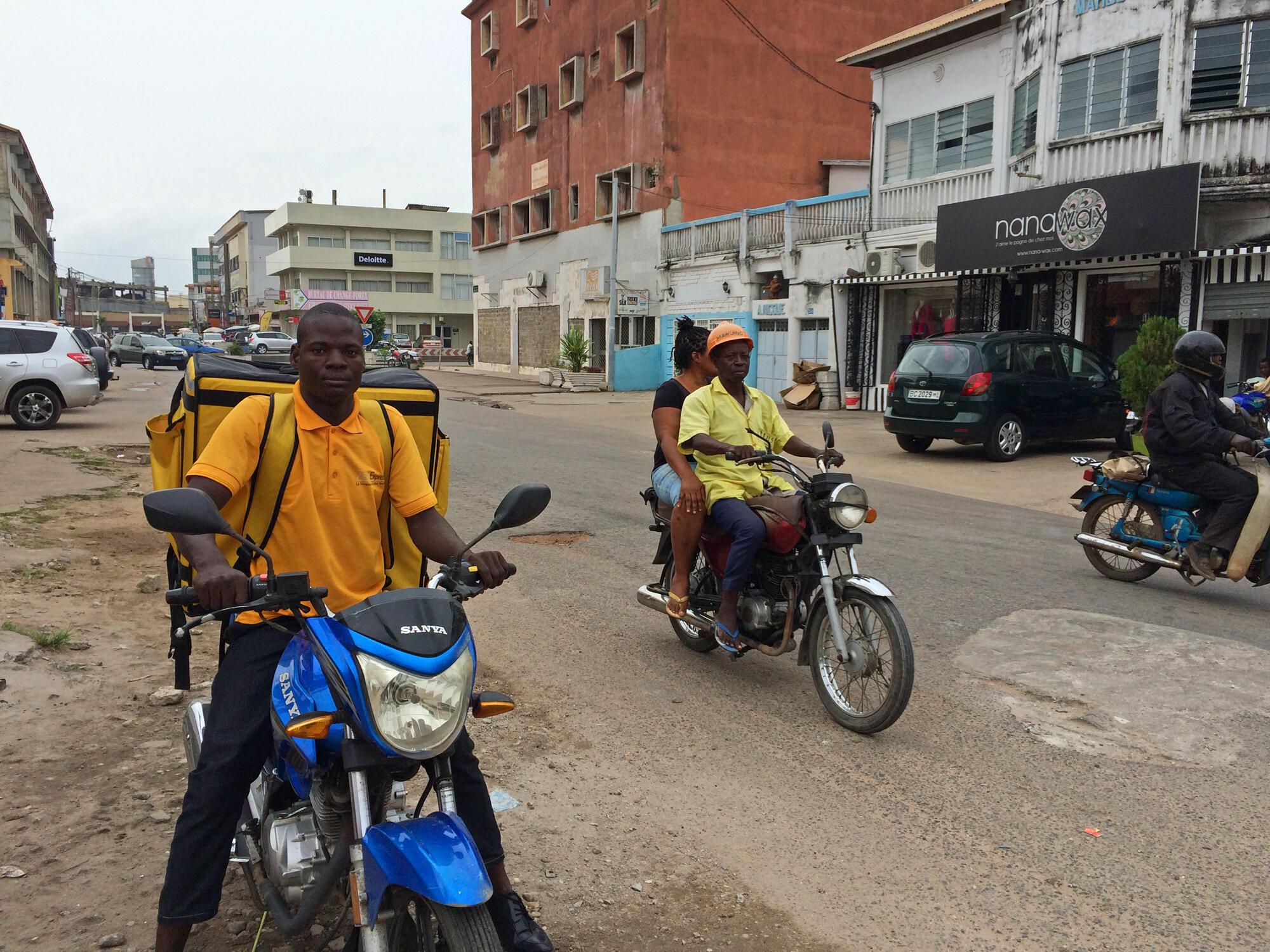 Dans une rue de Cotonou, au Bénin.
