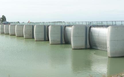 Les vannes du barrage.