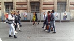 Cartazes dos candidatos à eleição presidencial francesa em Toulouse, no sudoeste da França.
