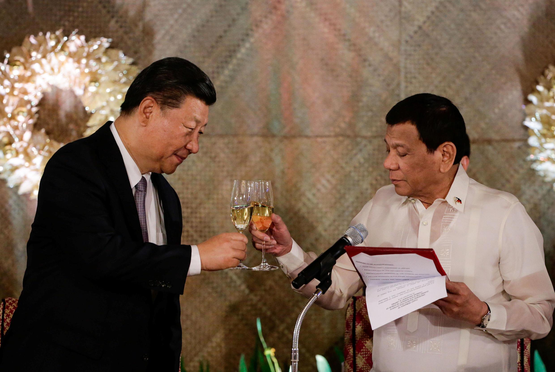 中國國家主席習近平11月20日與菲律賓總統杜特爾特