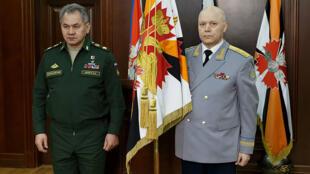 Ministan tsaron Rasha tareda Shugaban leken asirin kasar Igor Kostyukov