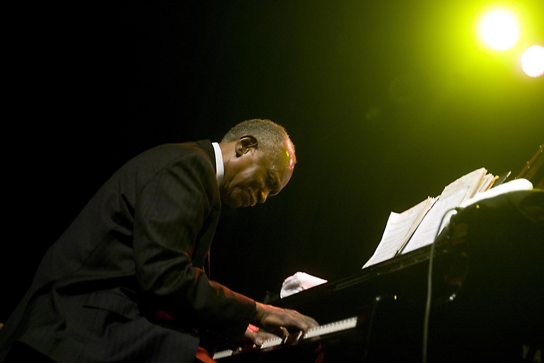 Le pianiste de jazz Hank Jones au North Sea Jazz Festival, le 10 juillet 2009, à Rotterdam, Pays-Bas.