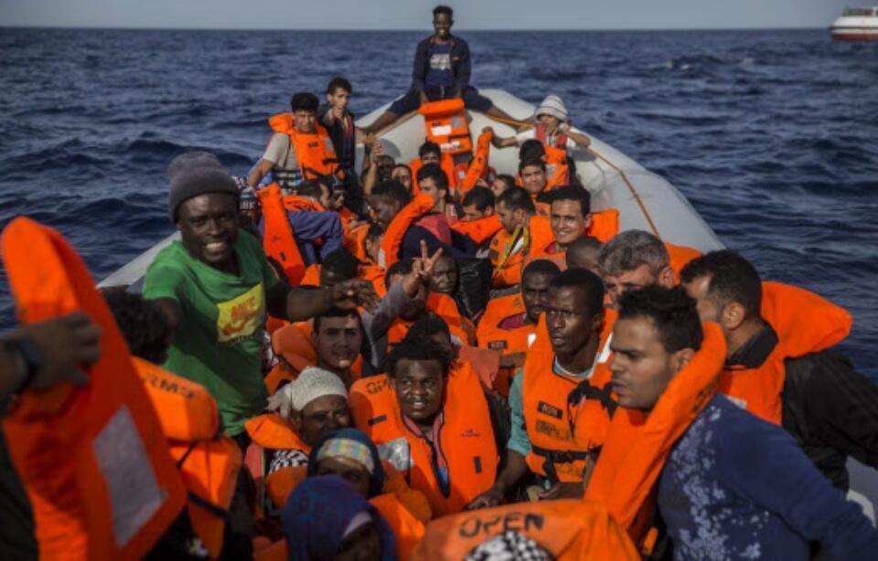 Migrantes socorridos pela ONG Proactiva Open Arms em 2018