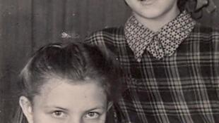 Silva Linarte et sa sœur en Lettonie entre ses deux déportations.